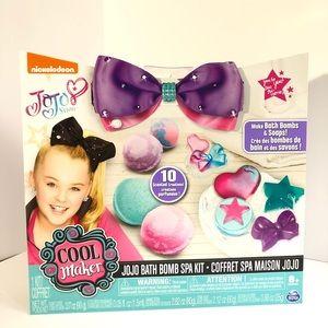 Jojo Siwa Bath Bomb & Soap Spa Kit for Ages 8+